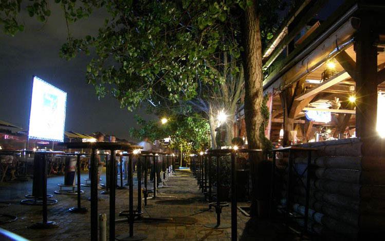 Sunset Caffe   Belgrade at night