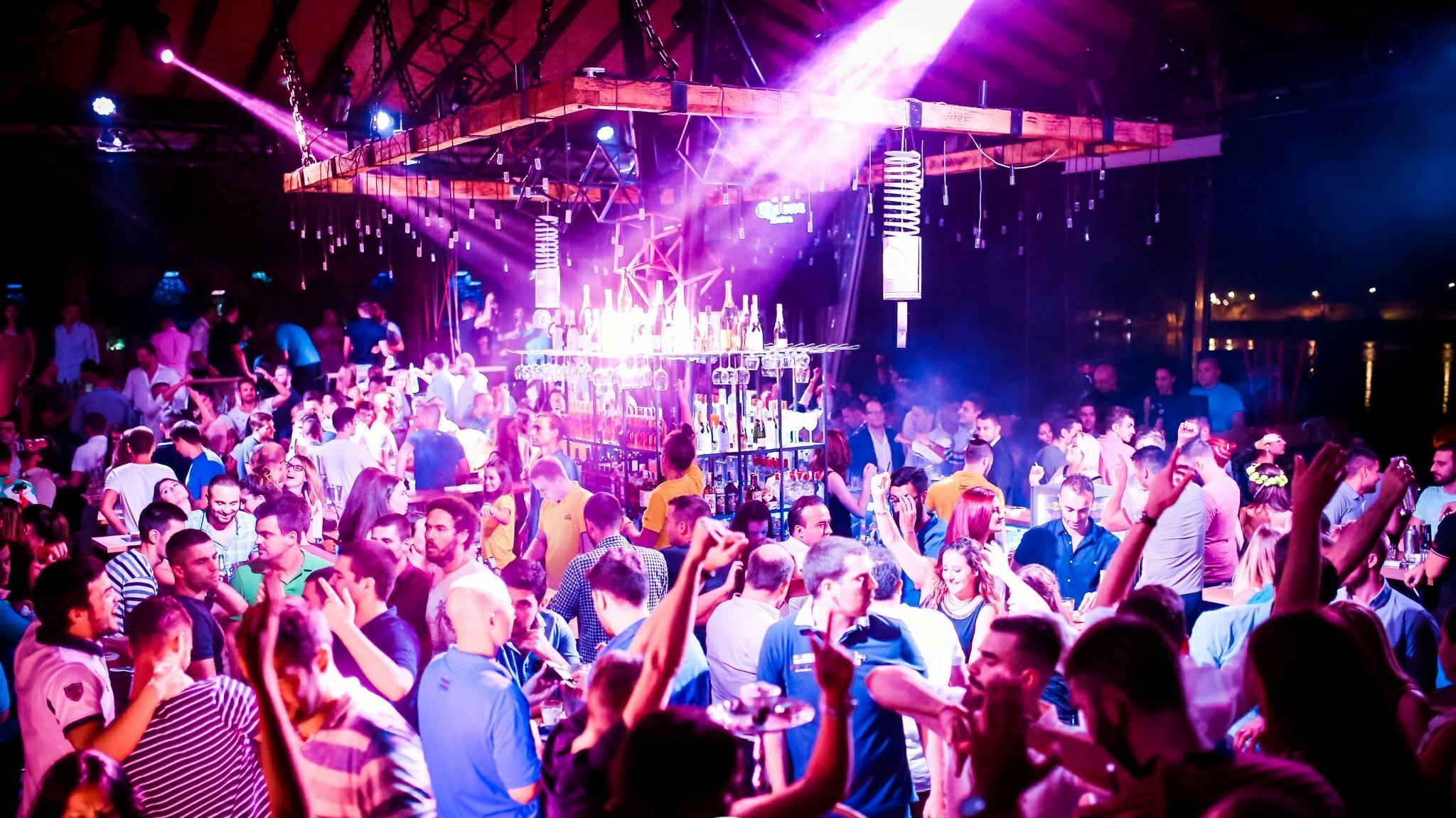 Shake D Wednesday at club Shake 'n' Shake 2