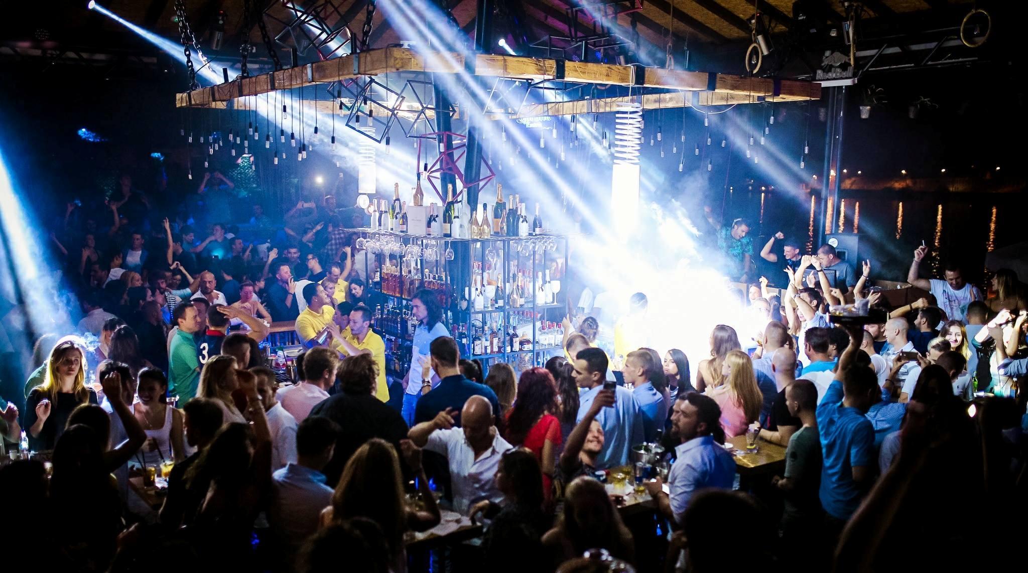 Shake it R'n'B Style at club Shake 'n' Shake 2