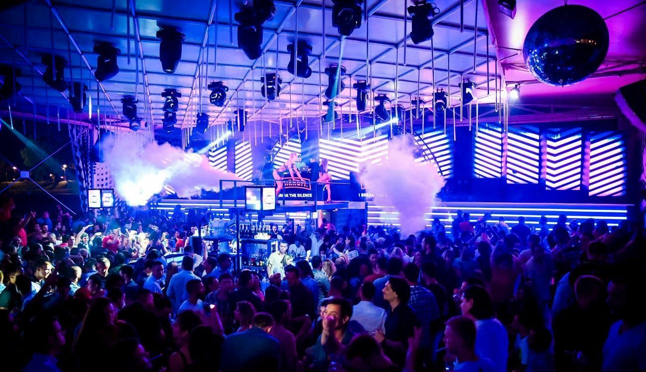 90's night at club Freestyler 1