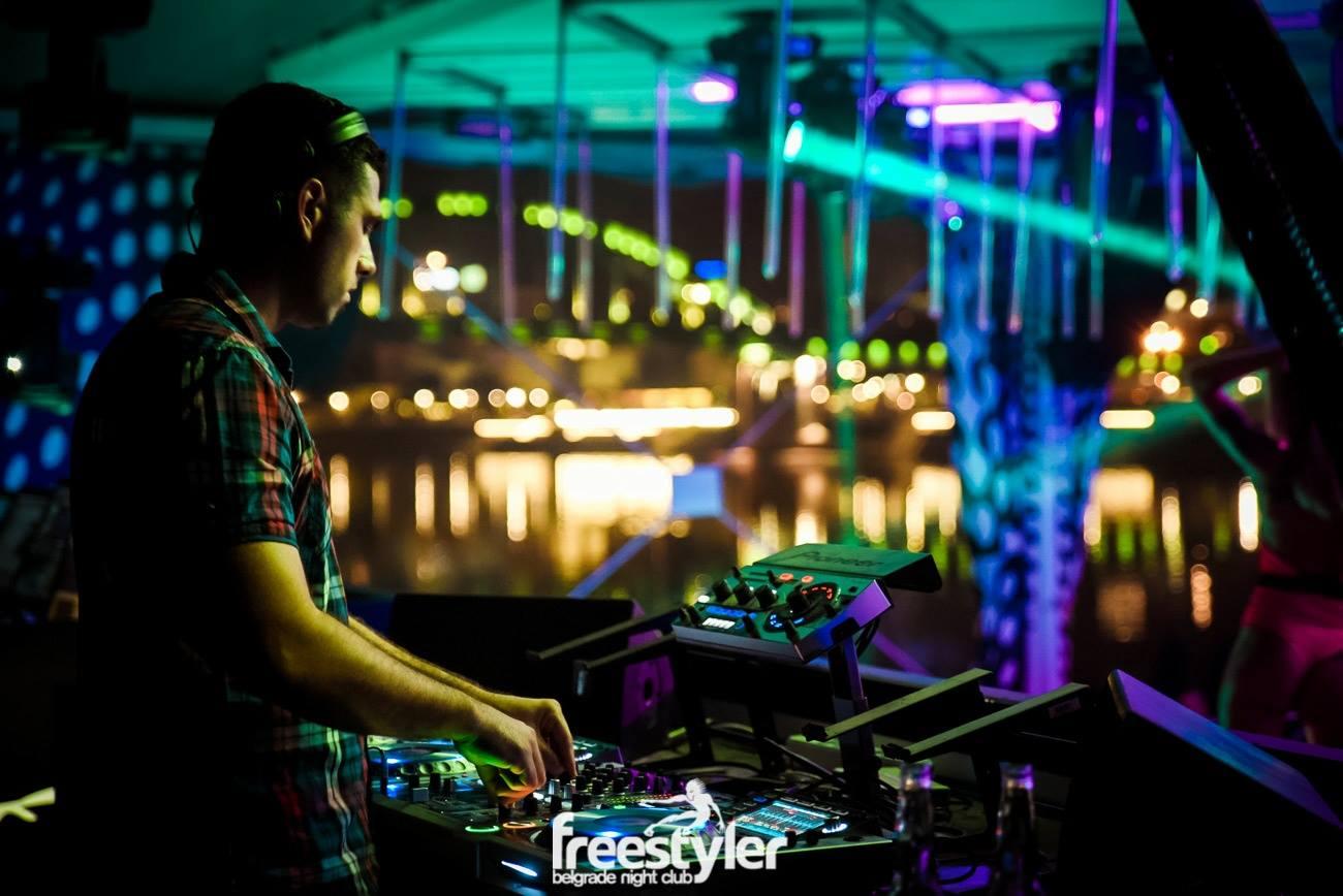 90's night at club Freestyler 2