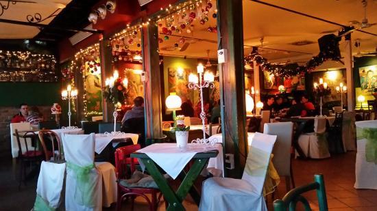 Every night live music performances - Restaurant Reka3