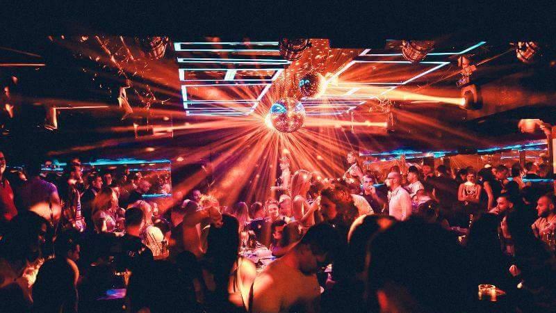 Friday night to the club Square!jpg