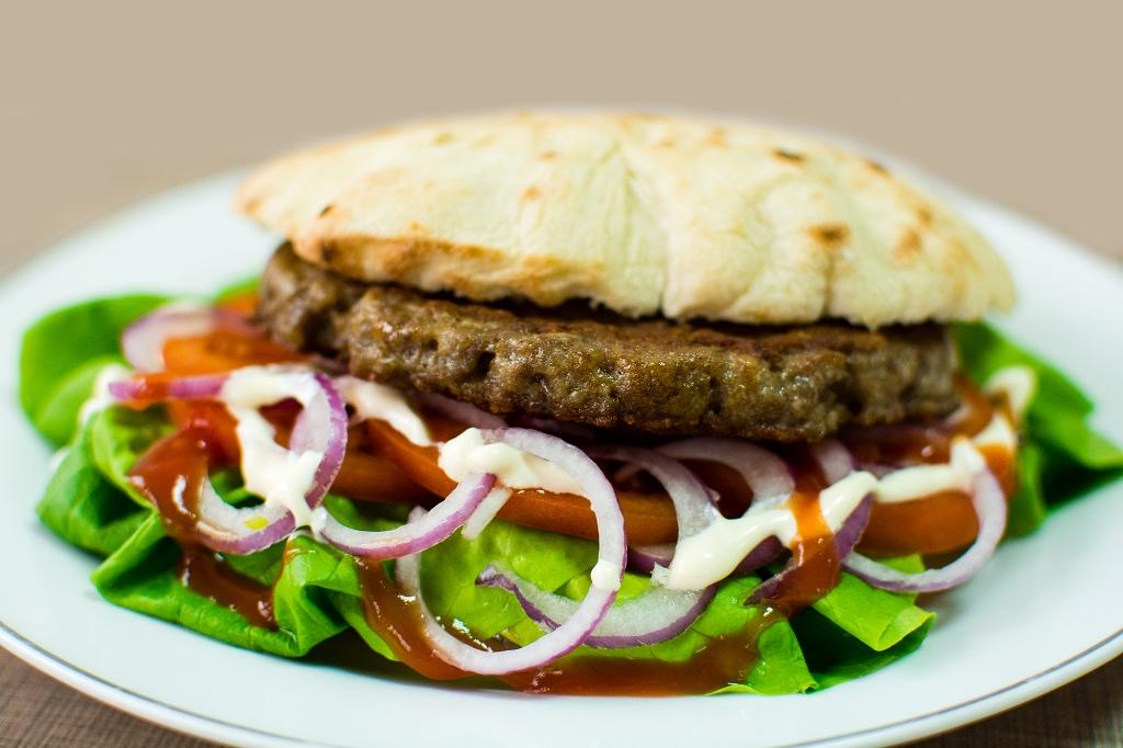 top 10 serbian foods pljeskavica