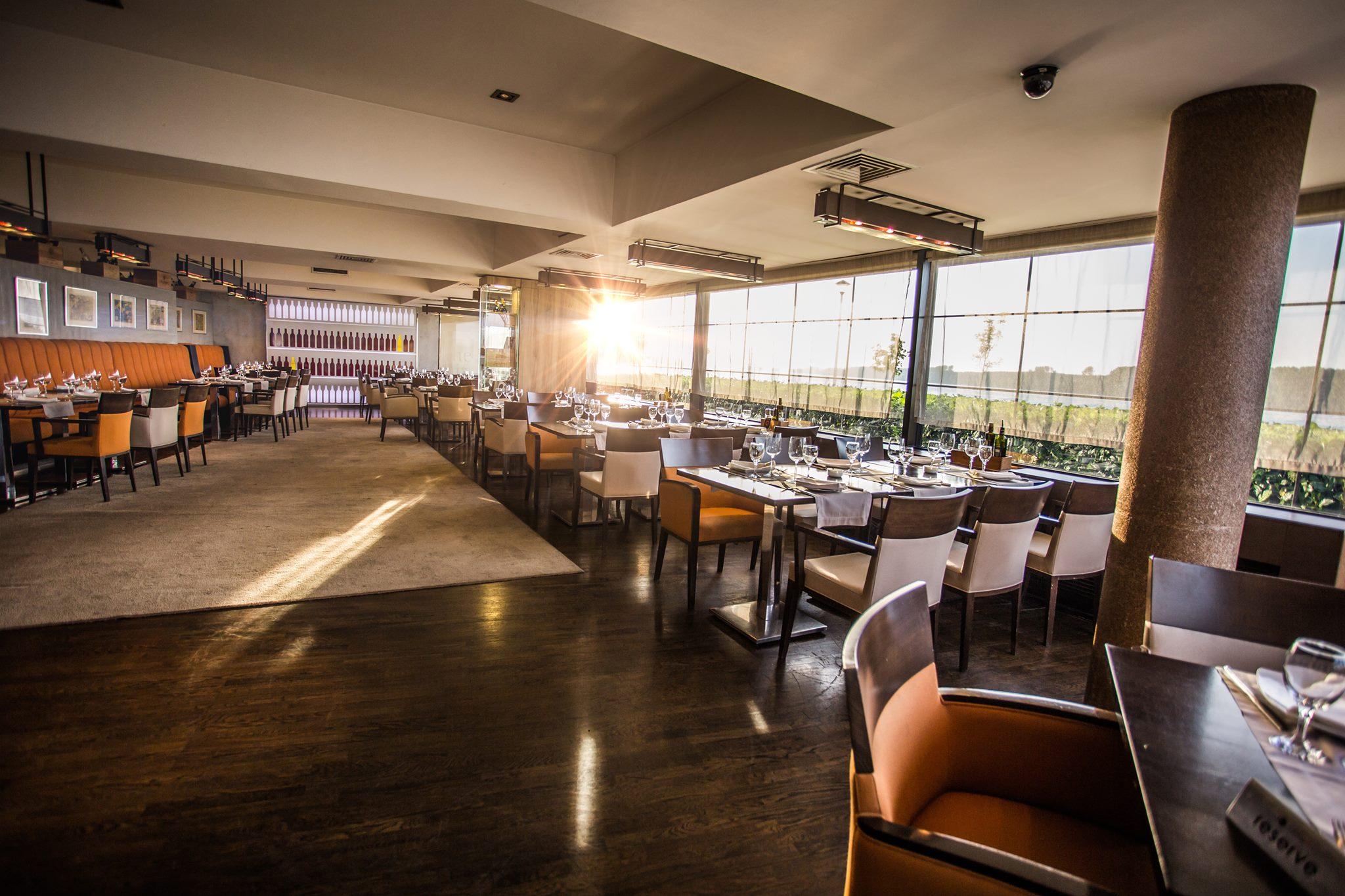 romantic-evening-at-restaurant-panta-rei3