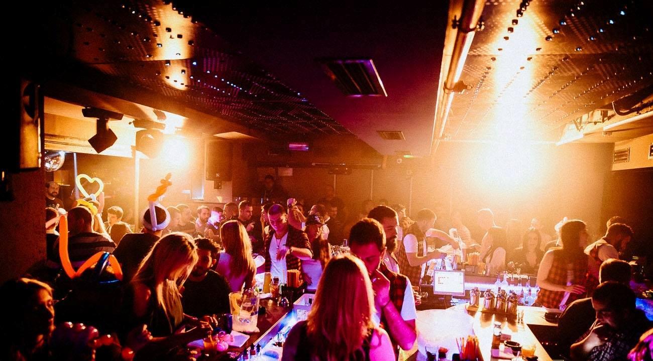 celebrating-tonight-at-club-mr-stefan-braun3