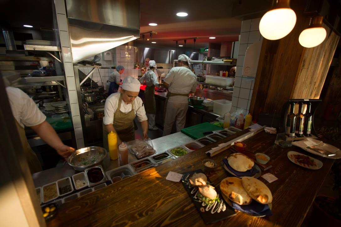 Balkan cuisine is totally in this season - Belgrade at night
