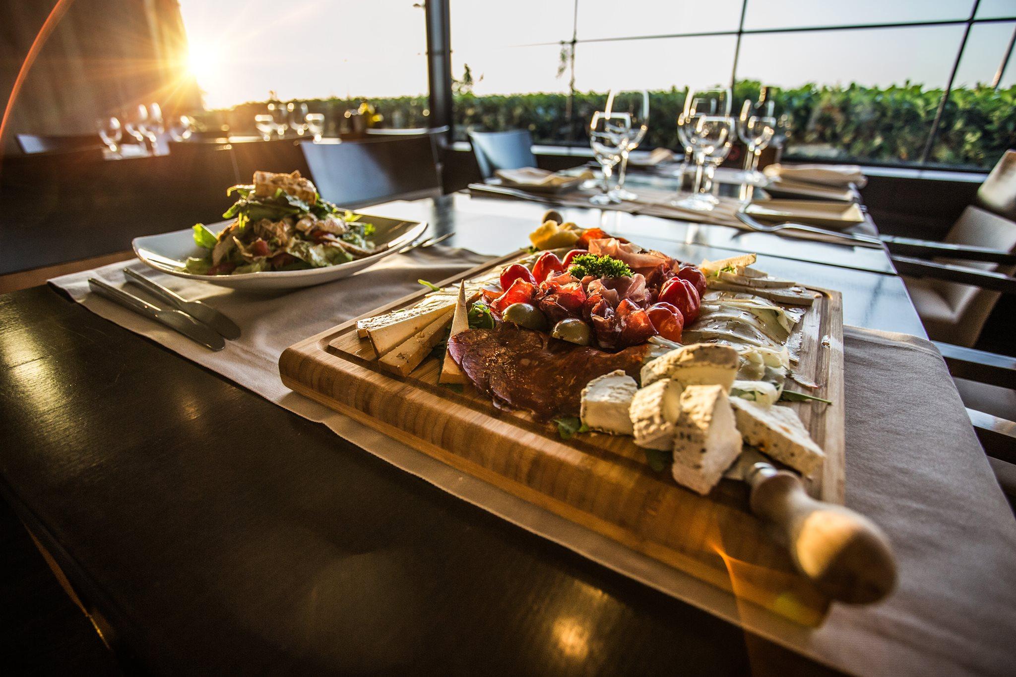 Top 5 restaurants in Belgrade - Belgrade at night