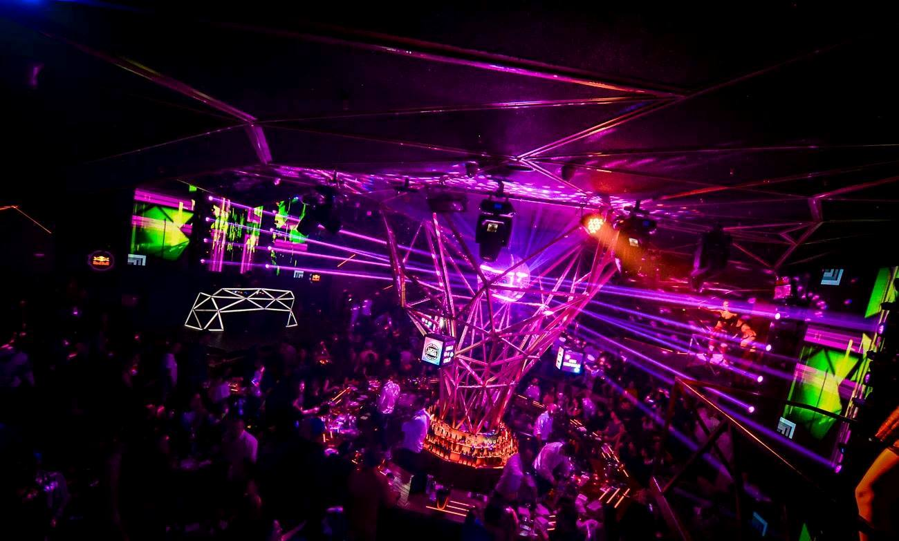 Reschedule your plans because weekend is here - Belgrade at night