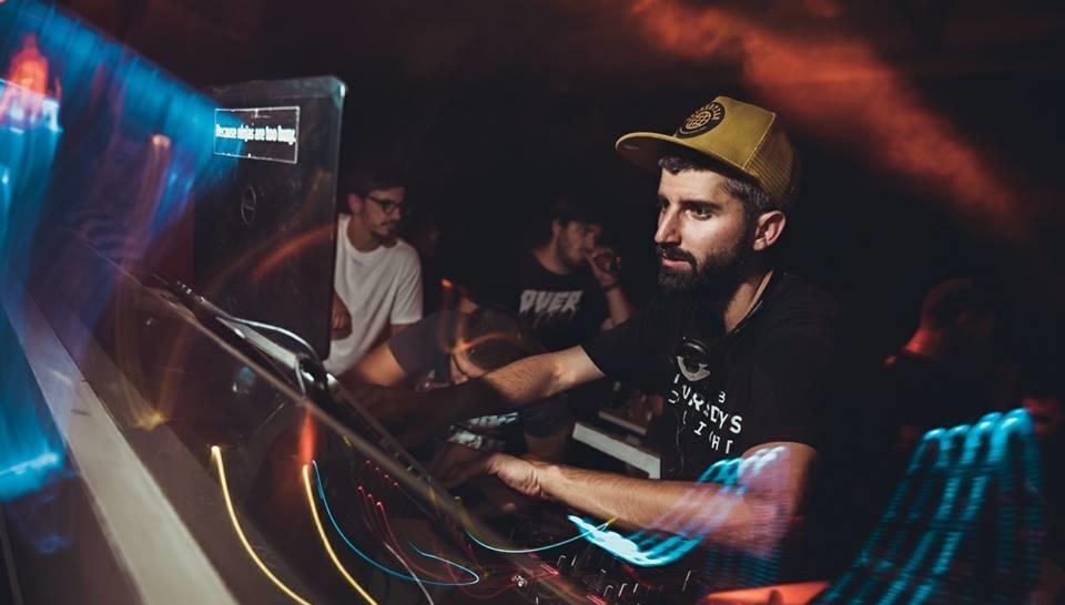Brand new R'n'B hits - Belgrade at night