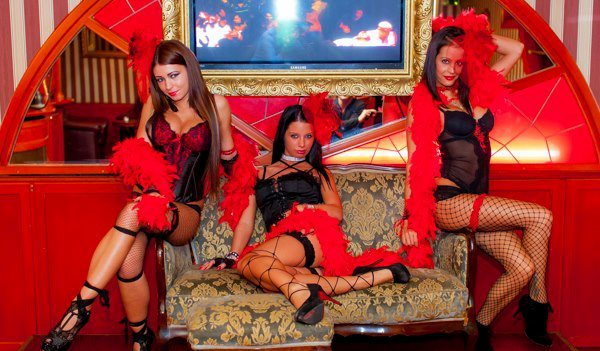Striptease Club Moulin Rouge