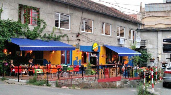 Cetinjska street Dvoristance