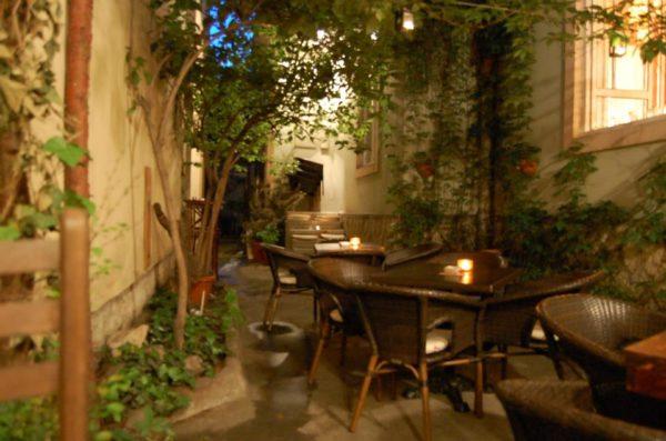 Jazz Warm up places in Belgrade Monks