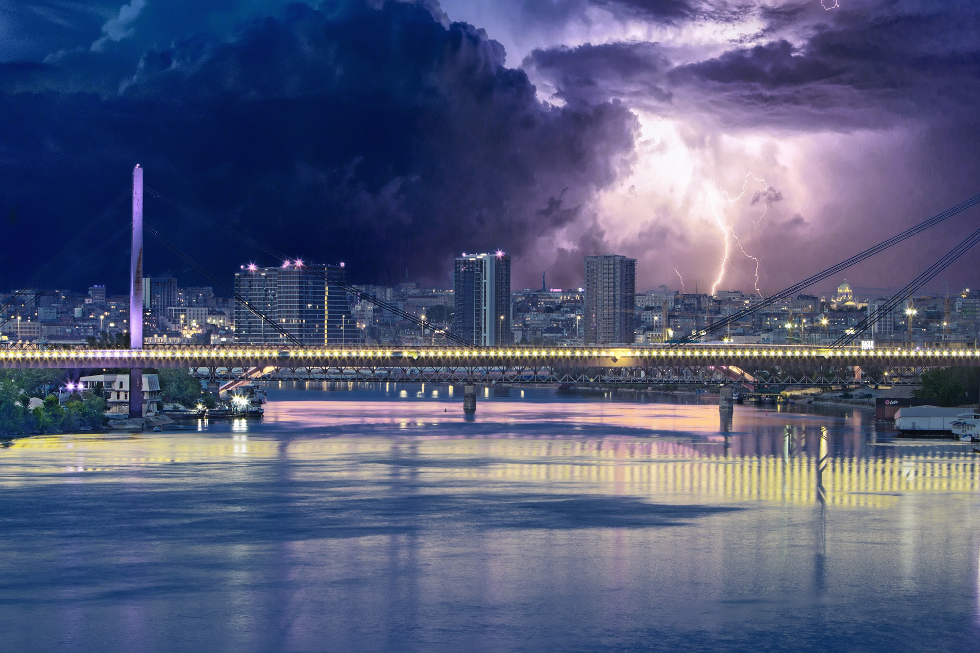 Fascinating things   Belgrade at night