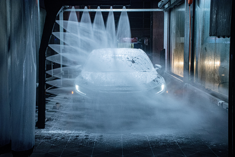 Drive Through Car WASH in Belgrade